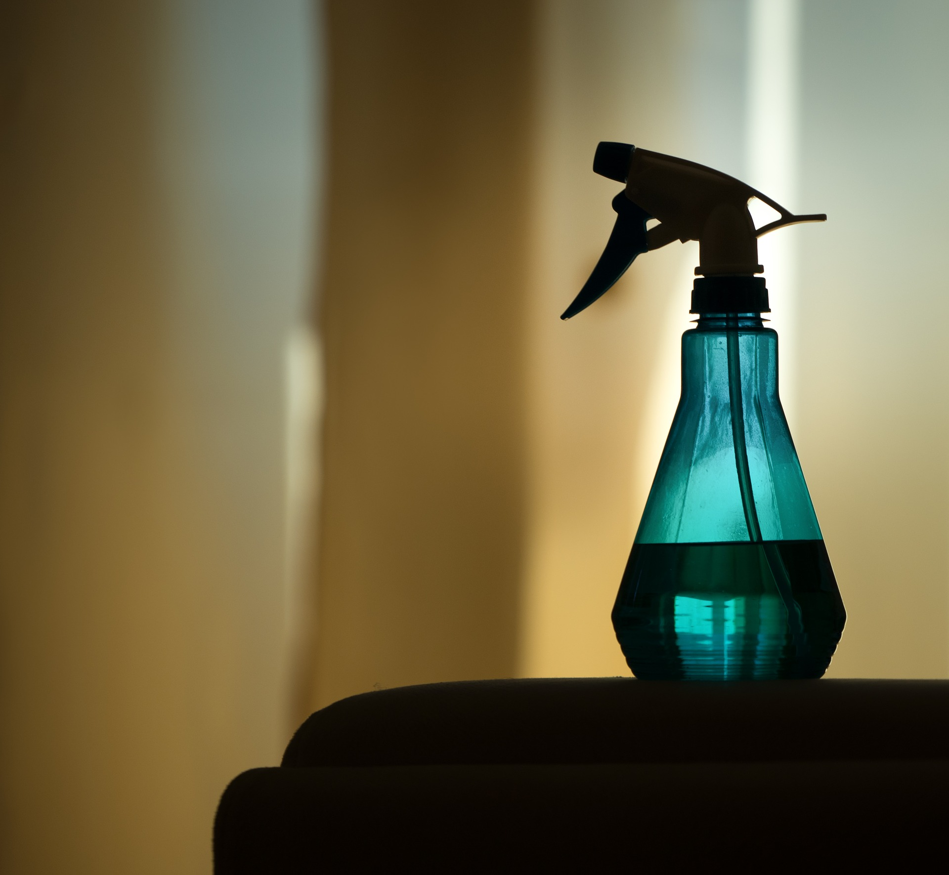 Effektive Mikroorganismen in der Sprühflasche